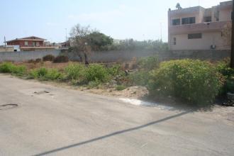 Terreno residenziale su strada comoda e zona ben servita