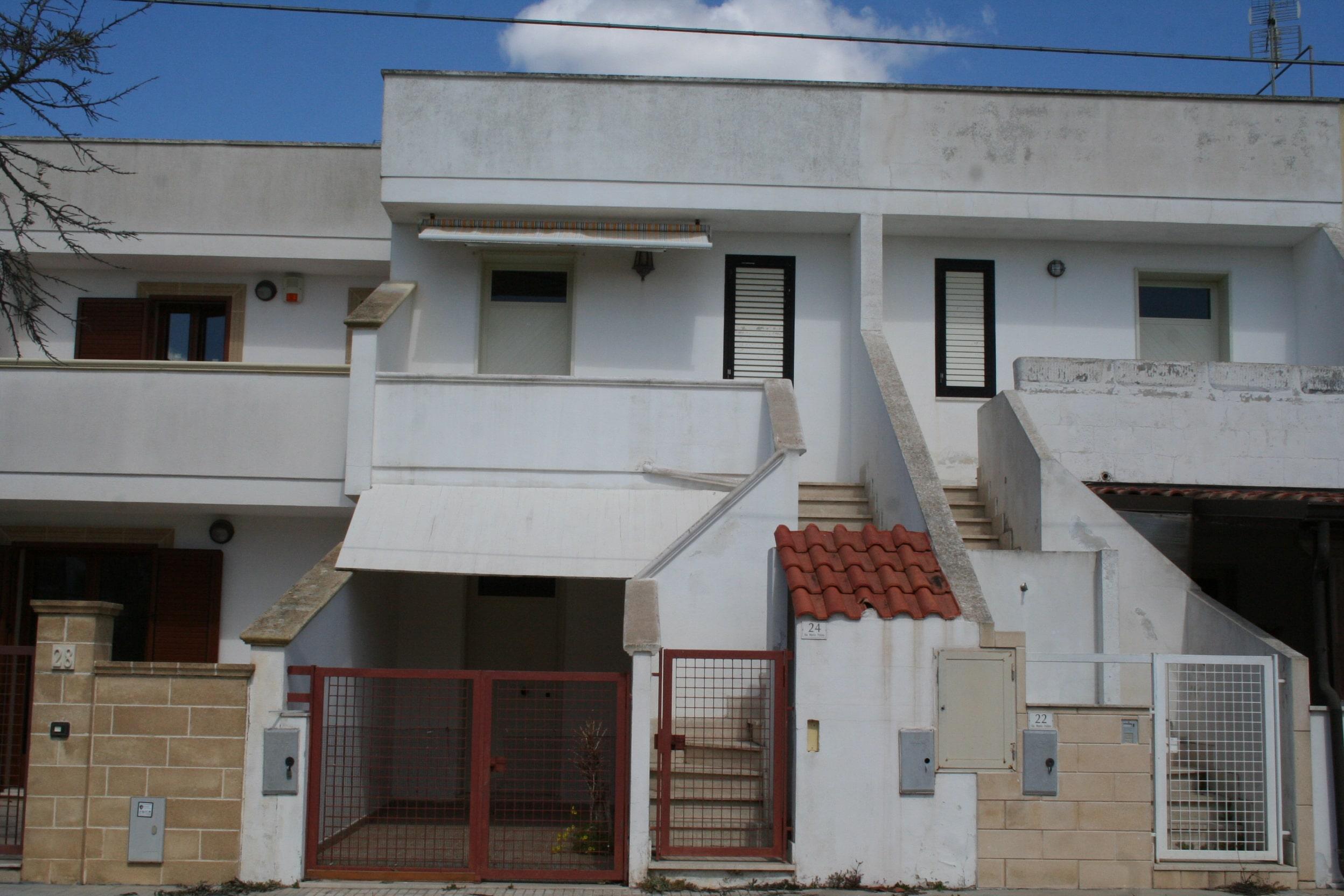 Soluzione composta da due appartamenti in zona semicentrale