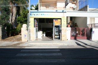 Locale Commerciale con comodo monolocale nel cuore di Torre San Giovanni