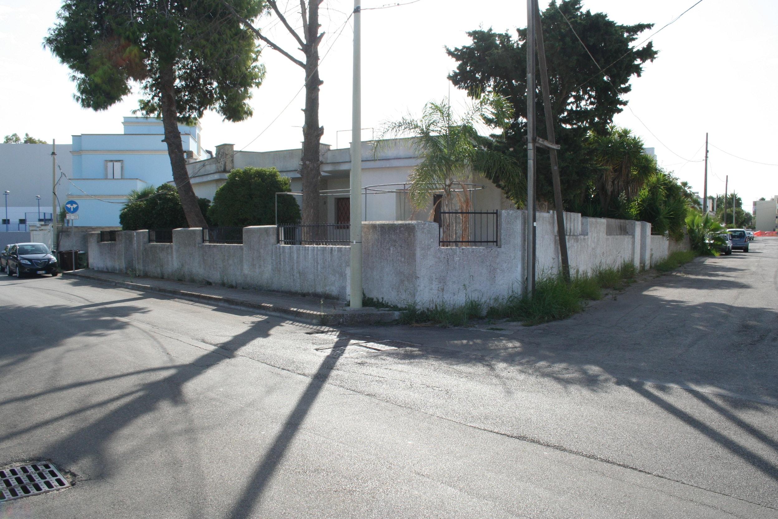 Villa singola di ampia metratura con esposizione angolare