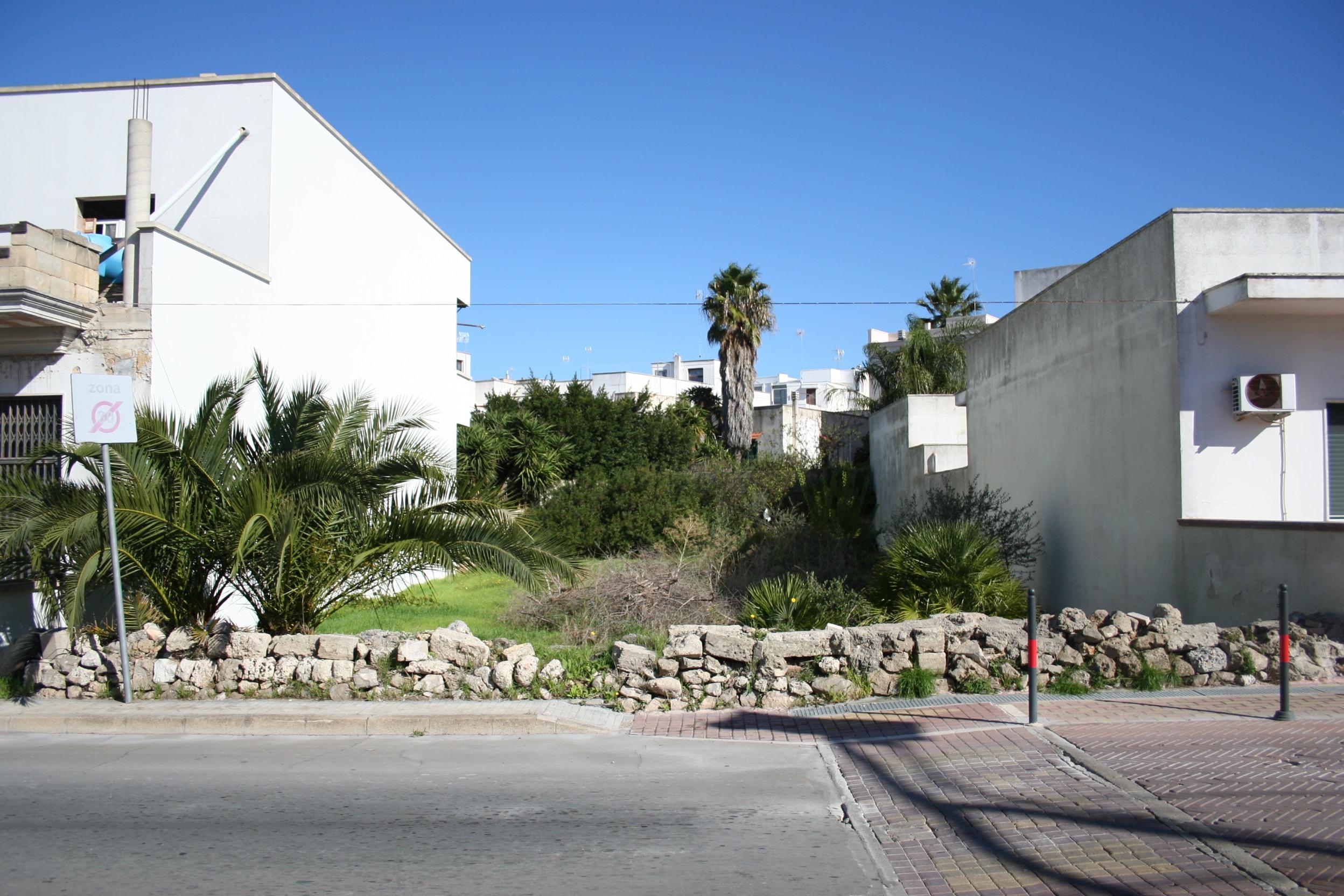 Terreno edificabile su strada principale